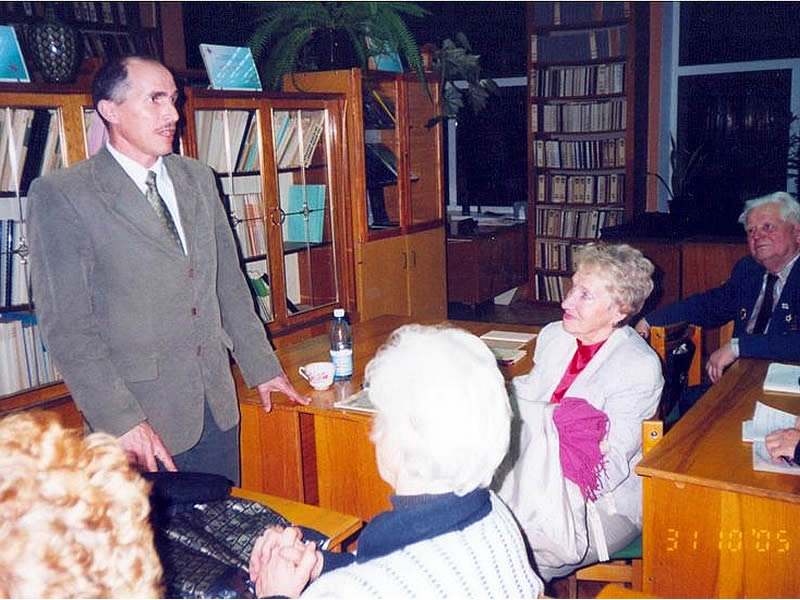 Виступає історик, професор ХНПУ ім. Г.С.Сковороди М.П.Маслов
